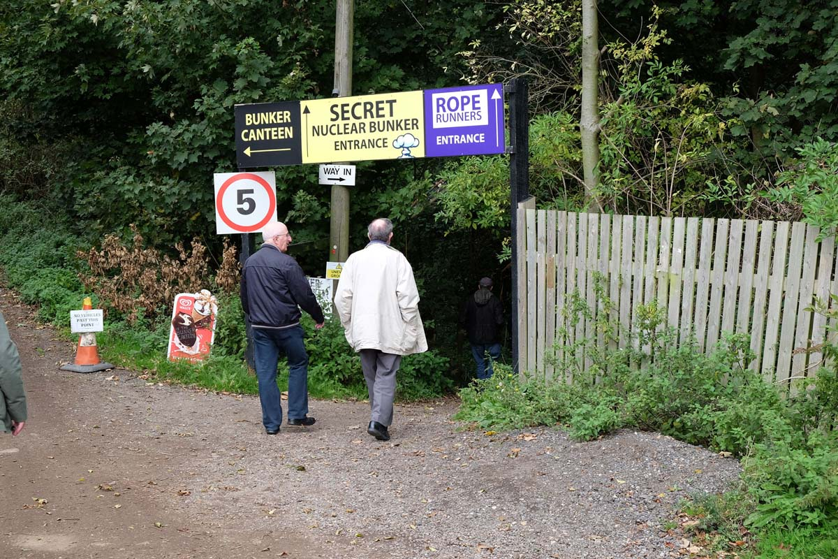 02_Sign_to_the_Secret-_Nuclear_Bunker-800